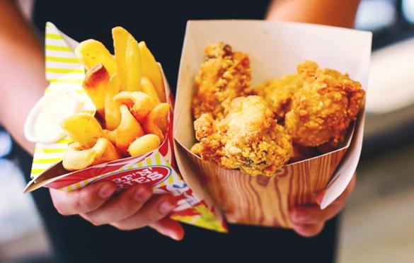 Hộp giấy được sử dụng phổ biến trong ngành kinh doanh thức ăn nhanh